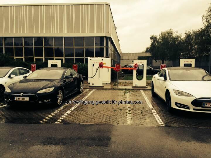Tesla Motors GmbH: Tesla eröffnet ersten Supercharger in Wien (Bild: Tesla Motors)