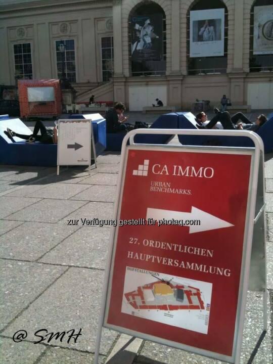 Michael Fischer: CA-Immo-HV Donnerstag 8.5.2014, Museumsquartier. Über dieses Buffet schreibt sogar der Börsenkurier, der sich geschworen hat, nicht mehr über HV-Buffets zu schreiben