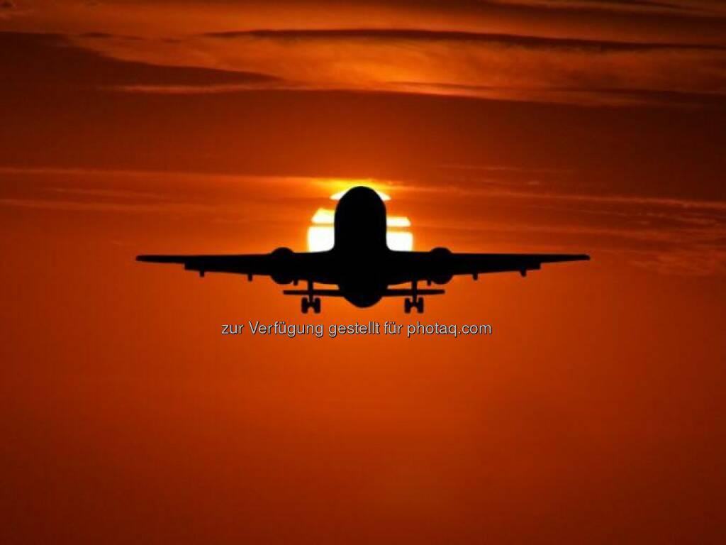 Flugzeug, Sonnenuntergang, © Dirk Herrmann (18.05.2014)