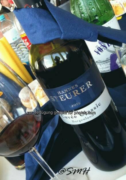 UBM-HV. Es gab verschiedene vorzügliche Weine. Und dieser aus dem Nordburgenland hat sogar mir gemundet, der ich nicht so der Rotweintrinker bin (19.05.2014)