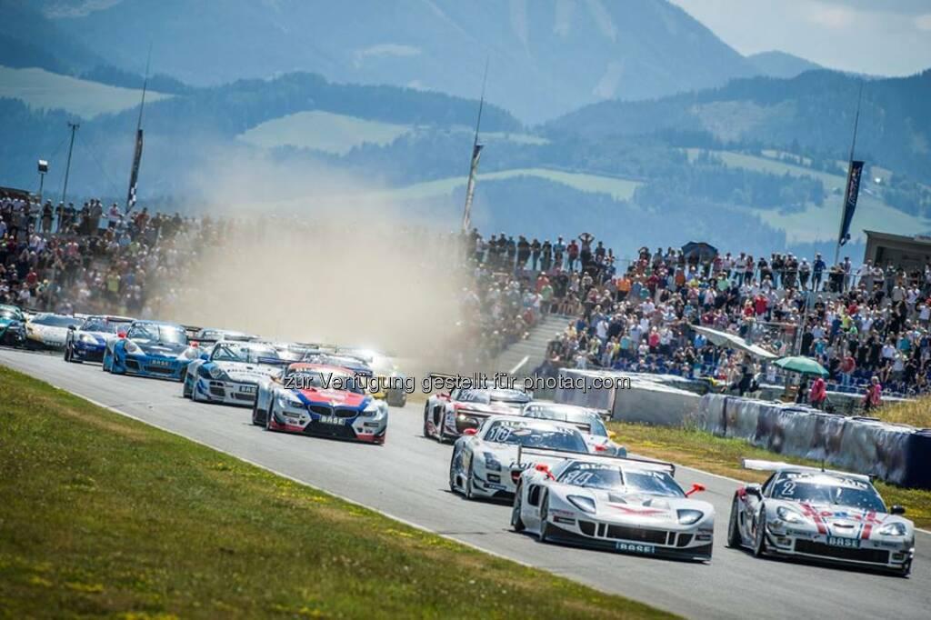 Für die Rennen bei den ADAC GT Masters am Red Bull Ring verlost voestalpine Tagestickets für 7. und 8. Juni (VIP und Tribüne). Zwei Wochen vor dem Motorsporthighlight Nr. 1 – der Rückkehr der #Formel1 nach Österreich – bietet sich somit die einmalige Gelegenheit, den neuen voestalpine wing live zu erleben. Alle Infos zur Teilnahme finden Sie hier: http://bit.ly/1kh1aC4  Source: http://facebook.com/voestalpine (19.05.2014)