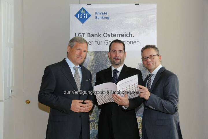 Meinhard Platzer (CEO LGT Bank Österreich), Teodoro D. Cocca (Institut für betriebliche Finanzwirtschaft, Johannes Kepler Universität Linz) und Christof Buri (LGT Group, Head Group Marketing & Communications) bei der Pressekonferenz LGT Private Banking Studie 2014 (Bild: LGT Group/APA-Fotoservice/Tanzer)