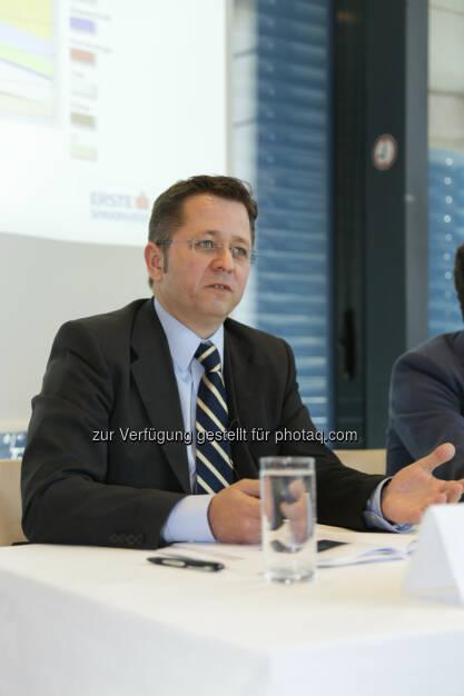 """Clemens Klein, Fondsmanager Erste WWF Stock Umwelt und Erste WWF Stock Climate Change ortet Trendwende: """"Aktien von Anbietern von erneuerbaren Energien und Umweltaktien haben langfristig eine """"sonnige"""" Zukunft."""" (22.05.2014)"""