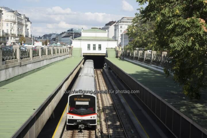 Siemens hat von den Wiener Linien die Aufträge erhalten die U-Bahnlinie U4 der Stadt Wien in den nächsten Jahren signaltechnisch auf den neuesten Stand der Technik zu bringen. Zum Lieferumfang gehören elektronische Stellwerke vom Typ Trackguard Sicas ECC sowie die Einbindung des automatischen Zugbeeinflussungssystem Trainguard LZB513. (Bild: Siemens)