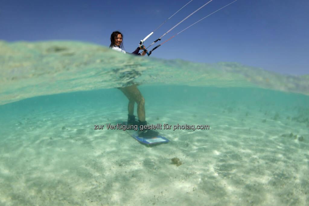 Sabrina Lutz (D), trainiert fuer den Red Sea Kitesurf World Cup (28. Mai bis zum 1. Juni ) in Soma Bay (Bild: Hoch Zwei / Juergen Tap)  (30.05.2014)