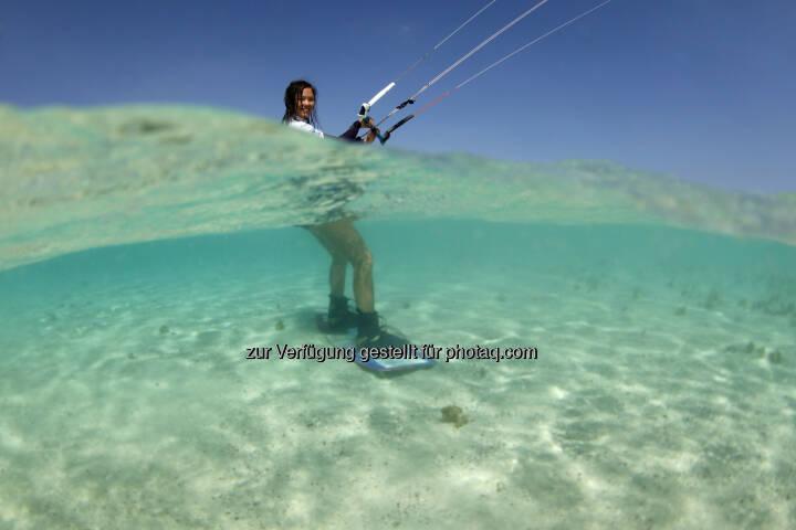 Sabrina Lutz (D), trainiert fuer den Red Sea Kitesurf World Cup (28. Mai bis zum 1. Juni ) in Soma Bay (Bild: Hoch Zwei / Juergen Tap)