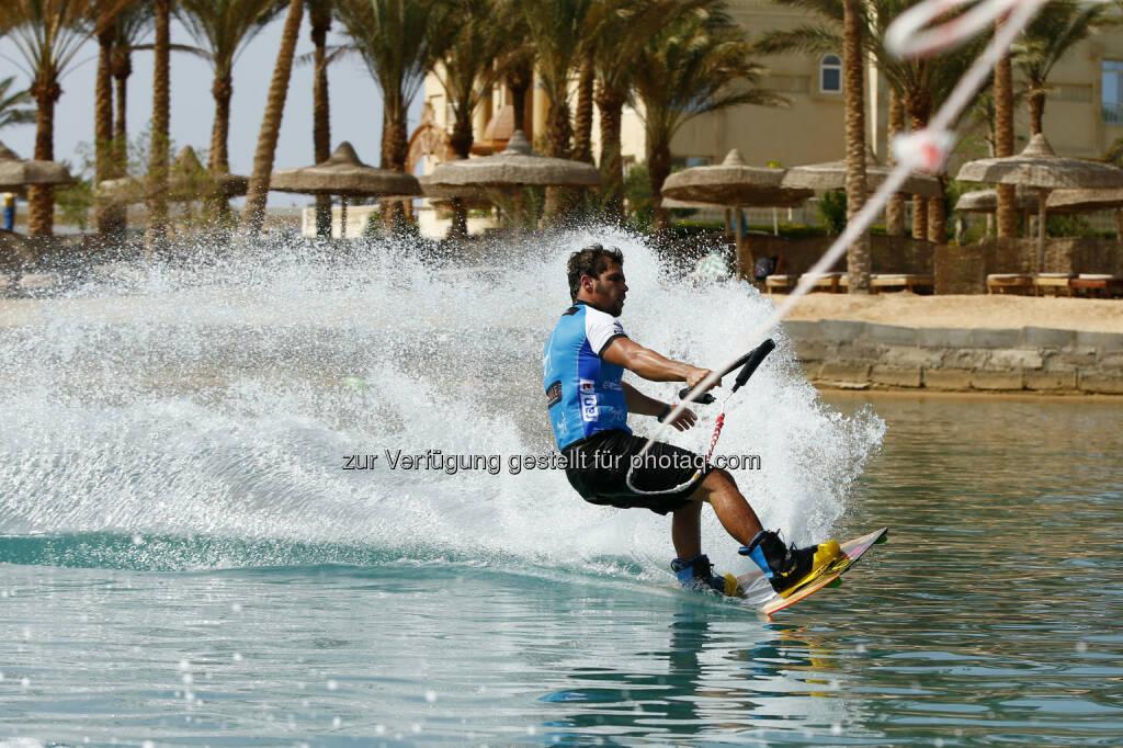 Reno Romeu (BRA) wake boarding, Red Sea Kitesurf World Cup (28. Mai bis zum 1. Juni ) in Soma Bay (Bild: Hoch Zwei / Juergen Tap) (30.05.2014)