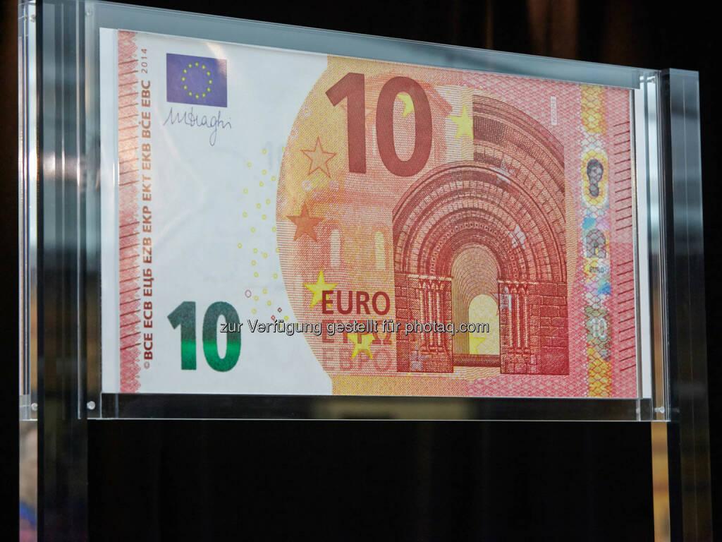 OeNB: Zur Vorbereitung auf die Einführung der neuen 10-€-Banknote am 23. September 2014 erhalten 3 Millionen Geschäfte und kleinere Unternehmen im gesamten Euroraum Faltblätter und Kippkarten zum neuen 10-€-Geldschein. (02.06.2014)