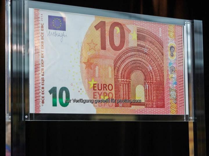 OeNB: Zur Vorbereitung auf die Einführung der neuen 10-€-Banknote am 23. September 2014 erhalten 3 Millionen Geschäfte und kleinere Unternehmen im gesamten Euroraum Faltblätter und Kippkarten zum neuen 10-€-Geldschein.