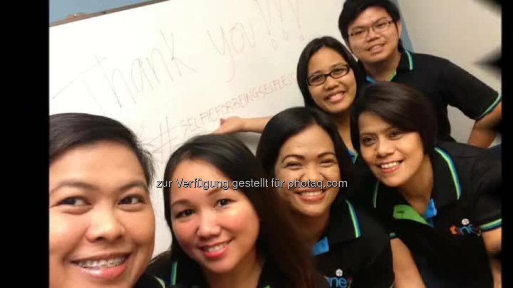 Bayer employees' #selfieforbeingselfless video: Employees of Bayer in the Philippines expressed their gratitude to Bayer and fellow employees all over the world for lending a hand when the country was struck by the strongest typhoon ever recorded in history. Using the hashtag Thank you #selfieforbeingselfless, employees took their selfie photos to express their thank you to all the Bayer colleagues for their support and generosity during the trying times.  Source: http://facebook.com/Bayer, © mit Genehmigung der jeweiligen Selfiesierenden (03.06.2014)
