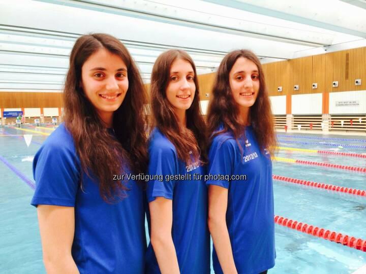 Dem im Jahr 2012 gestellten Antrag auf Einbürgerung der griechischen Schwestern von Anna-Maria, Vasiliki-Pagona und Eirini-Marina Alexandri wurde rechtzeitig vor der Junioren-WM stattgegeben. es handelt sich um sehr talentierte Synchronschwimmerinnen und große Nachwuchshoffnungen.