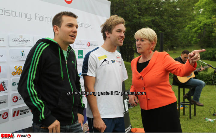 Markus Salcher, Andreas Onea (AUT) und Praesidentin Maria Rauch Kallat (OEPC). Foto: GEPA pictures/ Philipp Brem