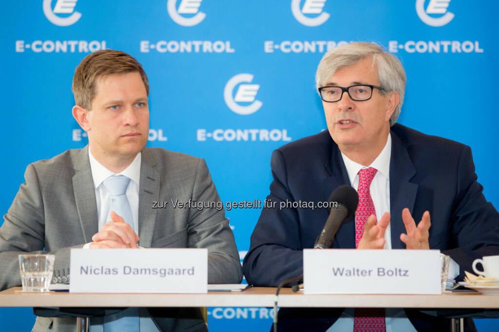 Energie-Control Austria: Für die Kosten für Kapazitätszahlungen müssten letztlich die Stromkunden aufkommen. Im Bild: Niclas Damsgaard, SWECO, und E-Control-Vorstand Walter Boltz (04.06.2014)
