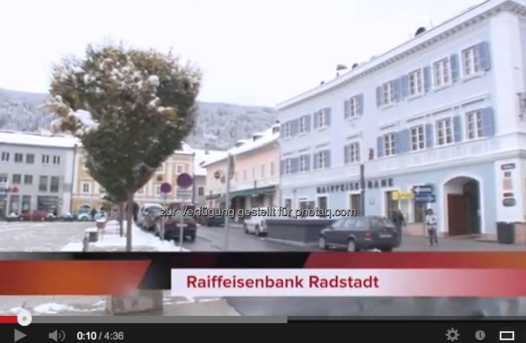 Raika Radstadt http://www.youtube.com/watch?v=kIZ3E0Ij6_Q# Lyrics: http://www.christian-drastil.com/2012/12/29/raika-radstadt-weine-nicht-wenn-der-zinsatz-fallt-lyrics-bilder/, © Raika Radstadt via Youtube (29.12.2012)