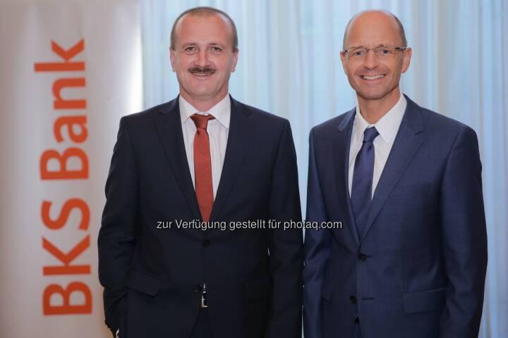 BKS Bank AG: Buy - Hold - Sell? Fondsmanager Alois Wögerbauer (links) mit BKS Bank-Vorstandsmitglied Wolfgang Mandl im Casineum Baden.