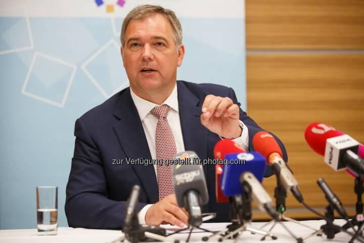 Wirtschaftskammer Wien: Ruck: Unternehmer entlasten, Leistung belohnen: Antritts-PK des neuen Wiener Wirtschaftskammerpräsidenten Walter Ruck