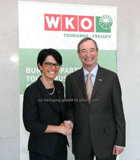 Petra Nocker-Schwarzenbacher ist neue WKÖ-Tourismus-Obfrau, im Bild mit WKÖ-Präsident Christoph Leitl   (05.06.2014)
