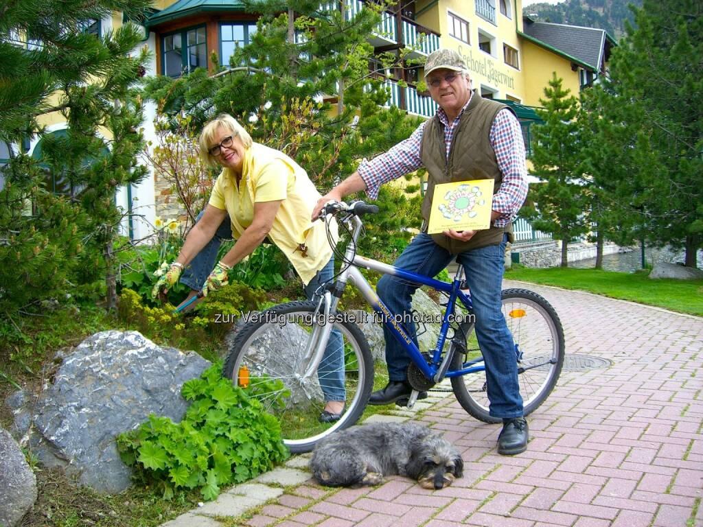 Seehotel Jägerwirt: Seehotel Jägerwirt mit Österreichischem Umweltzeichen ausgezeichnet. Die Seniorchefs Gerda und Sigi Brandstätter, © Aussendung checkfelix (05.06.2014)