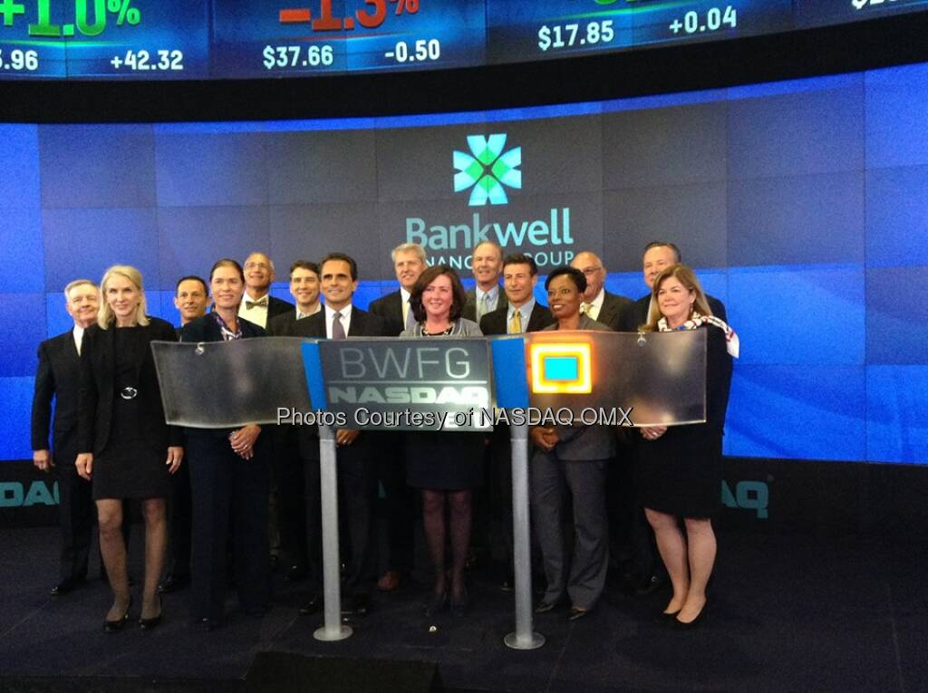 Bankwell Financial Group rings the Nasdaq closing bell! Source: http://facebook.com/NASDAQ (06.06.2014)