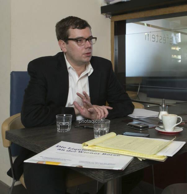 Tim Schäfer, US-Korrespondent zahlreicher Medien, mit dem Fachheft 1 (30.12.2012)