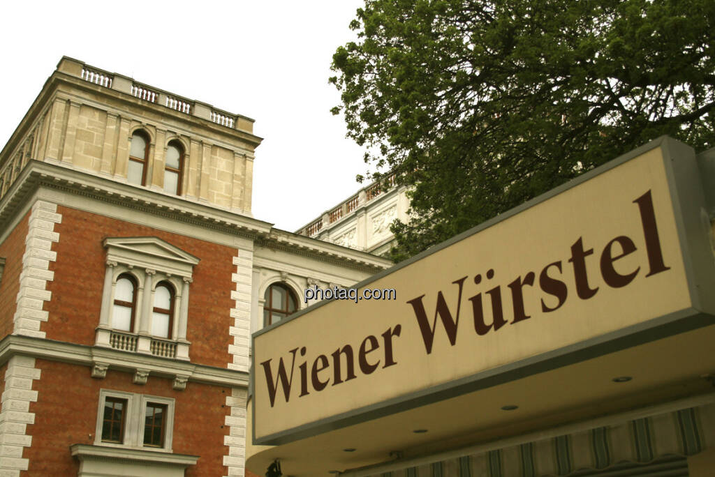 Wiener Würstel vor der alten Wiener Börse (30.12.2012)