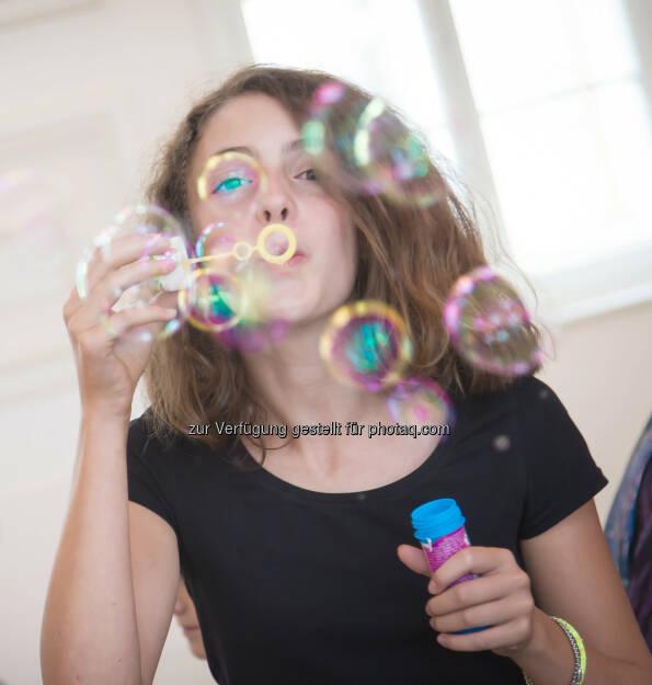 Blase, Seifenblasen, Schloss Hof: Ein Reich für Kinder auf Schloss Hof - Eröffnungsfest der neuen Kinder- und Familienwelt (c) Jana Madzigon, © Aussendung checkfelix (11.06.2014)