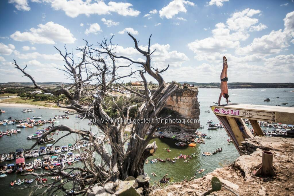 Red Bull Cliff Diving Texas, © Maurice Lacroix, Red Bull (11.06.2014)