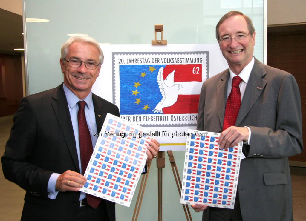 Sonderbriefmarke anlässlich 20 Jahre Volksabstimmung über den EU-Beitritt Österreichs: Post-Generaldirektor Georg Pölzl und Wirtschaftskammer-Präsident Christoph Leitl Fotograf (12.06.2014)