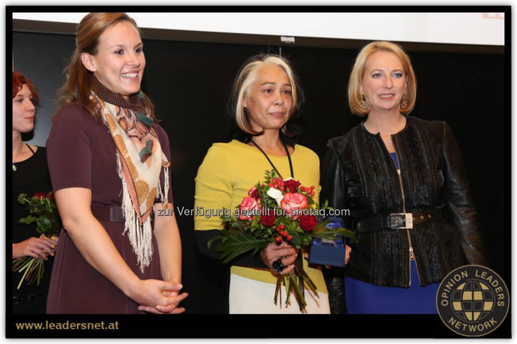 """Yvonne Werginz, wohnfee.at: Beim Woman Award 2012 in der Kategorie """"Wir hatten eine kreative Geschäftsidee"""" gewonnen. Die Verleihung fand am 20. November mit Schirmherrin Doris Bures statt, © beigestellt (01.01.2013)"""