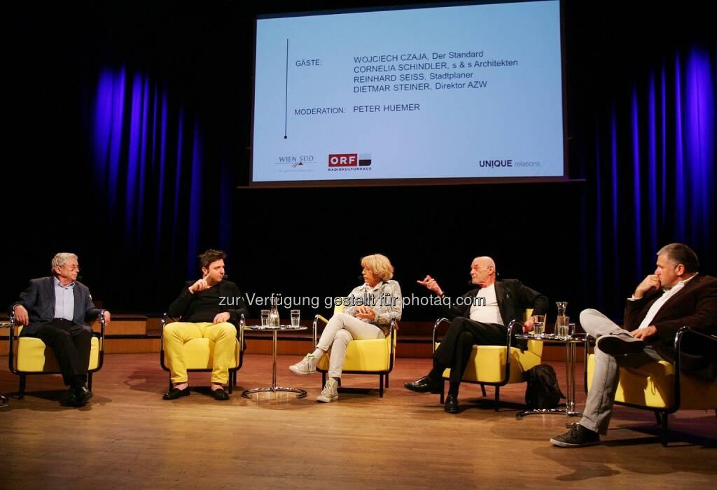 Unique talk Wohn-Special: Peter Huemer (Moderation), Wojciech Czaja (Der Standard), Cornelia Schindler (s & s Architekten), Dietmar Steiner (Direktor Architekturzentrum Wien) und Reinhard Seiß (Stadtplaner, Filmemacher und Publizist) (18.06.2014)