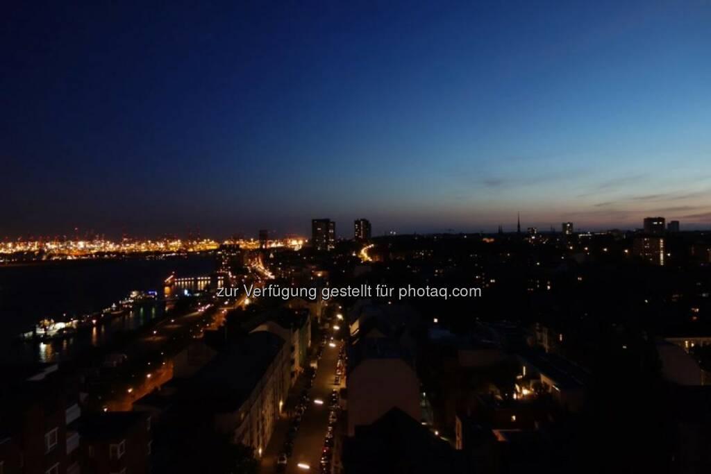 Hamburg bei Nacht, © Dirk Herrmann (20.06.2014)