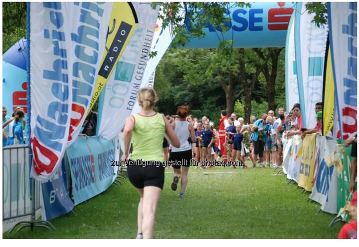 Zieleinlauf, OÖGKK Frauenlauf Linz 2014