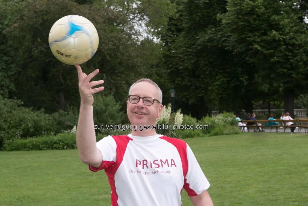 Ludwig Mertes (Vorstand Prisma Kreditversicherung): Pünktlich zur Fußball-Weltmeisterschaft in Brasilien hat Euler Hermes mit Prisma Kreditversicherung zur Insolvenz-Weltmeisterschaft aufgerufen.  Wer möglichst wenig Insolvenz-Tore kassiert, gewinnt. Spanien wird sich 2014 mit einem Rückgang von -23% den Titel holen. (21.06.2014)