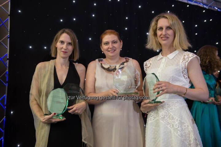 Wolf Theiss gewinnt erneut bei den European Women in Business Law Awards: Ligia Cecilia Popescu (Mitte), Partnerin in Bukarest, Birgit Kraml (links), Counsel in Wien, und Vedrana Ivekovic (rechts), Senior Associate in Zagreb