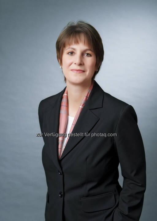 Ingrid Szeiler neuer Chief Investment Officer (CIO) bei der Raiffeisen KAG, Organisationsstruktur verschlankt, mit Fondsmanagement, Fondsservice und Kundenbetreuung nur noch drei statt sieben Unternehmensbereiche (Bild: Raiffeisen Capital Management)