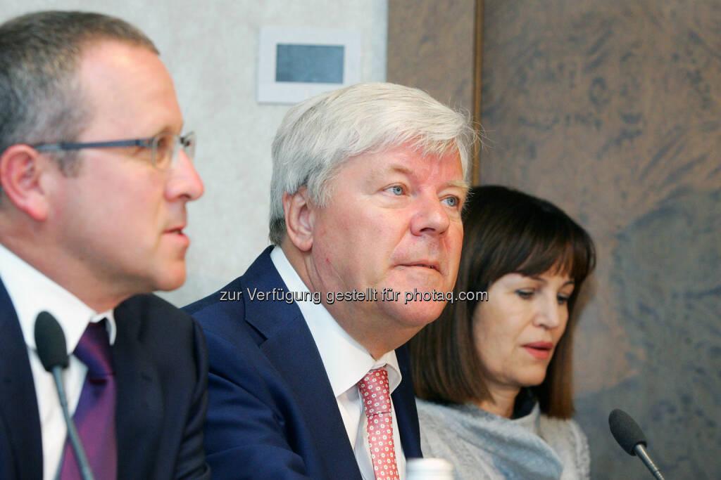Walter Stephan (Vorstandsvorsitzender, FACC) (Bild: Peter Hautzinger) (24.06.2014)
