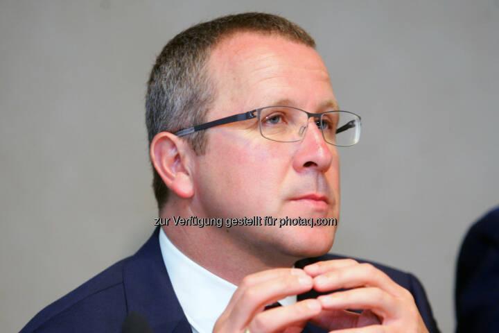 Robert Machtlinger (Vorstand Technik, FACC) (Bild: Peter Hautzinger) - 720%3Brobert_machtlinger_vorstand_technik_facc_bild_peter_hautzing