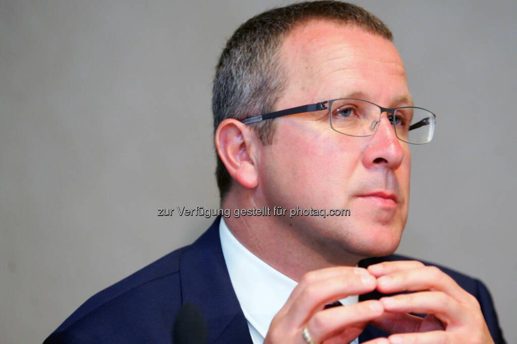 Robert Machtlinger (Vorstand Technik, FACC) (Bild: Peter Hautzinger) (24.06.2014)