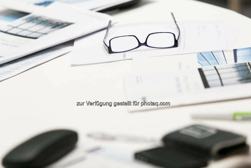Brille, Unterlagen, Schreibtisch (24.06.2014)