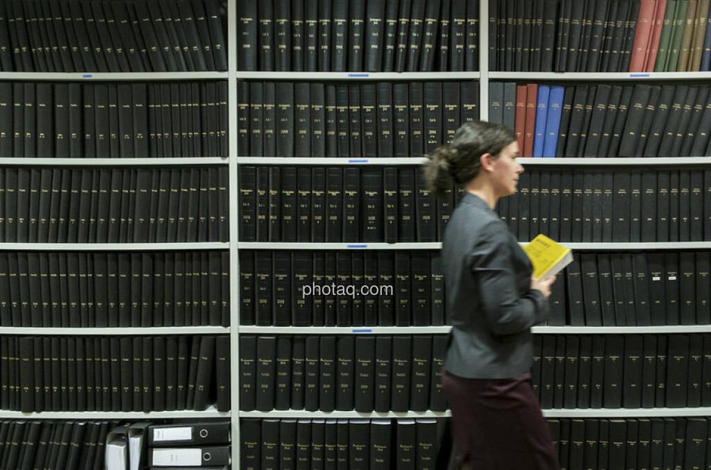 Kapitalmarktrecht und -literatur (c) Martina Draper (04.01.2013)