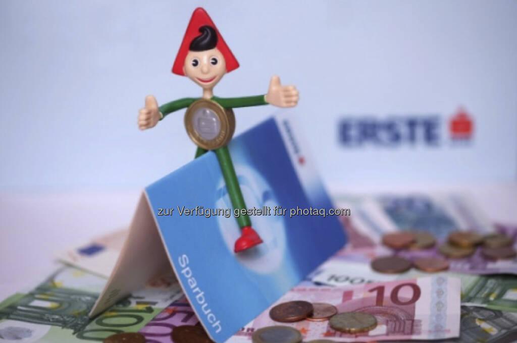 Der Sparefroh ist ein Klassiker. Aus einer Aussendung zum Erfolg des Rundungs- und Impulssparens. Seit dem Launch seien über diese Spar-Features mehr als 3,4 Millionen Euro auf Sparbücher gelegt worden, so die Erste Bank (c) Erste Bank (04.01.2013)