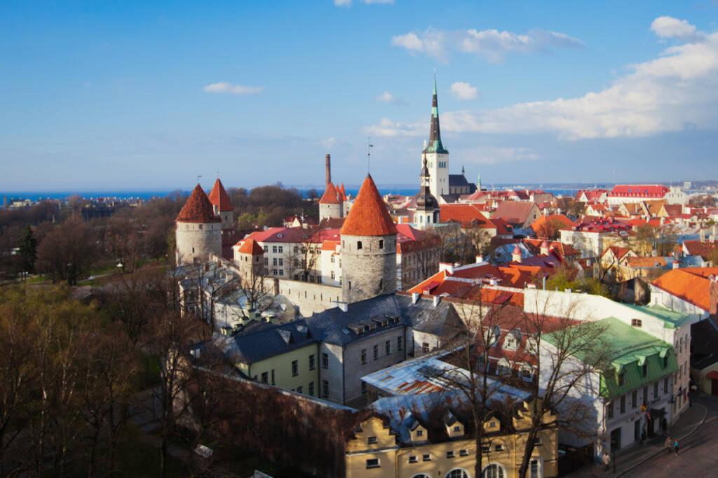 Talinn, Estland http://www.shutterstock.com/de/pic-171784598/stock-photo-scenic-summer-beautiful-aerial-skyline-panorama-of-the-old-town-in-tallinn-estonia.html (Bild: www.shutterstock.com), © shutterstock.com (28.06.2014)