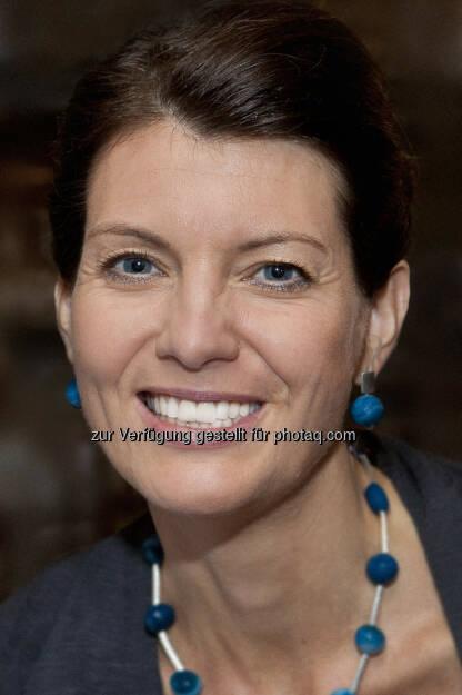 Festo Didactic: Lab-Volt - ein neues Mitglied in der Festo Gruppe - Katharina Sigl, Strategische Leitung Didactic, Festo Österreich: Gelerntes wird für Unternehmen erst durch die praktische Umsetzung, also das Einbringen am Arbeitsplatz wirklich zum Benefit - darum ist die praktische Übung mit den optimalen Lernsystemen so wichtig. (30.06.2014)