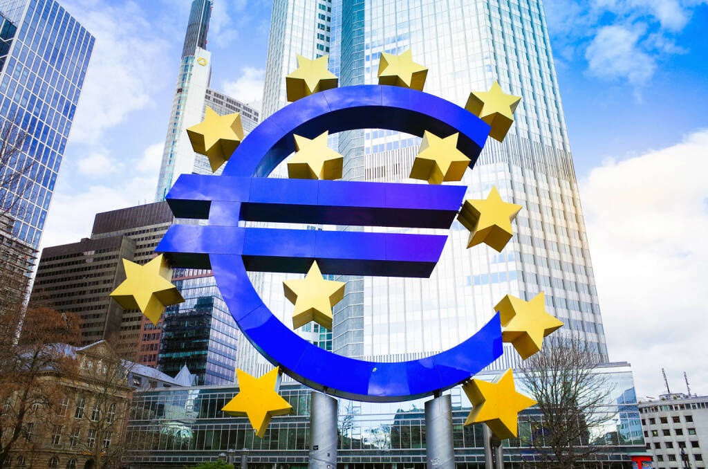 Euro Zeichen, European Central Bank (ECB) Frankfurt, http://www.shutterstock.com/de/pic-195333227/stock-photo-euro-sign-february-euro-sign-european-central-bank-ecb-is-the-central-bank-for-the-euro.html (Bild: www.shutterstock.com) (30.06.2014)