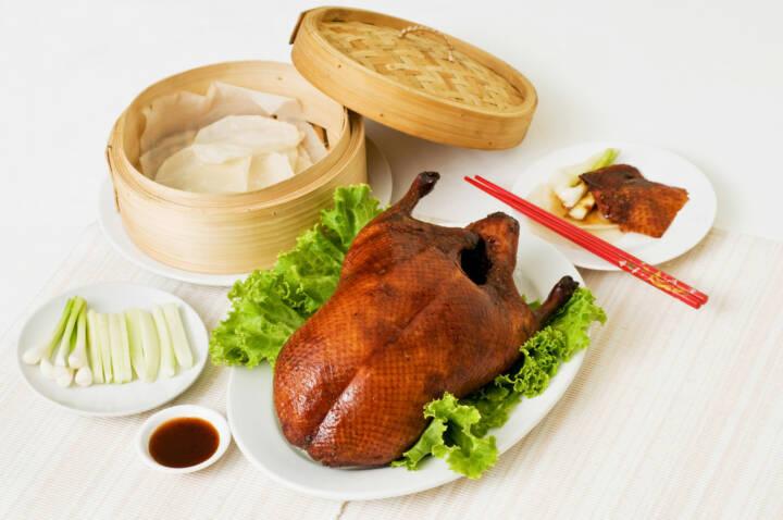 Peking Ente, China, http://www.shutterstock.com/de/pic-113183161/stock-photo-peking-duck-set.html