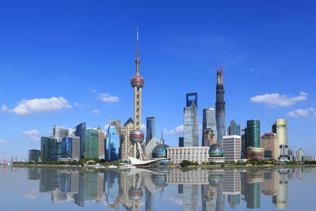 Shanghai, Skyline, http://www.shutterstock.com/de/pic-150854627/stock-photo-shanghai-pudong-lujiazui.html , © (www.shutterstock.com) (30.06.2014)