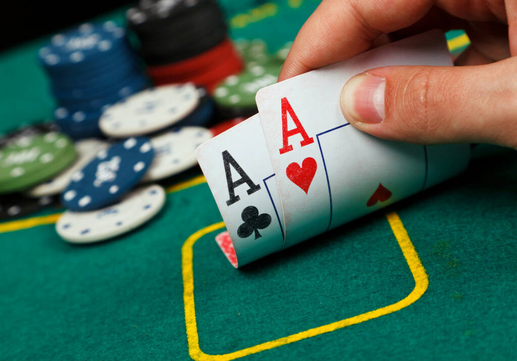 Poker, Asse, Casino, gaming, Glücksspiel, http://www.shutterstock.com/de/pic-125243891/stock-photo-poker-aces-pair.html  (01.07.2014)