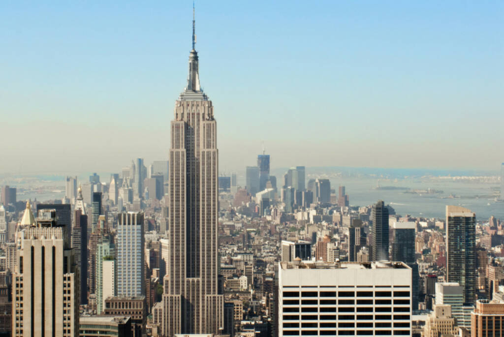 Empire State Building, New York, http://www.shutterstock.com/de/pic-142977907/stock-photo-view-over-the-amazing-skyscrapers-of-manhattan-new-york-city-during-daytime.html , © (www.shutterstock.com) (01.07.2014)