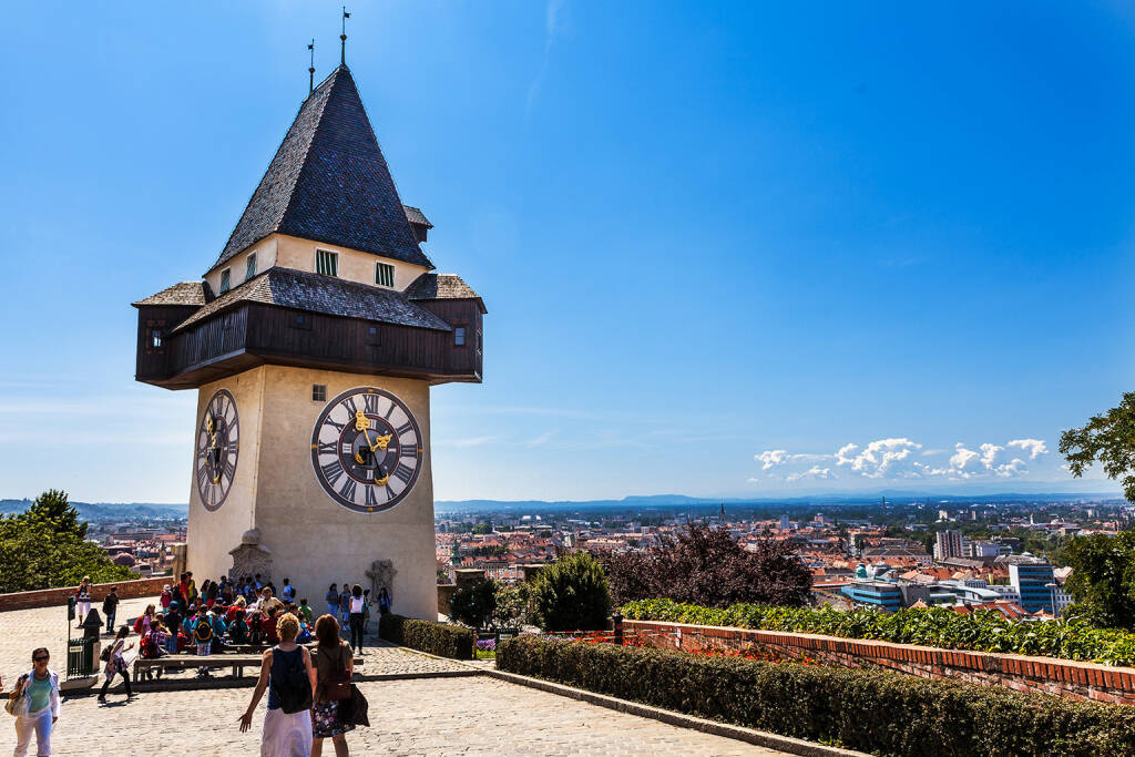 Graz, Uhrturm Steiermark, http://www.shutterstock.com/de/pic-140014933/stock-photo-graz-austria-jun-m-tall-clock-tower-uhrturm-on-june-in-graz-austria-it-was.html (Bild: www.shutterstock.com) (01.07.2014)