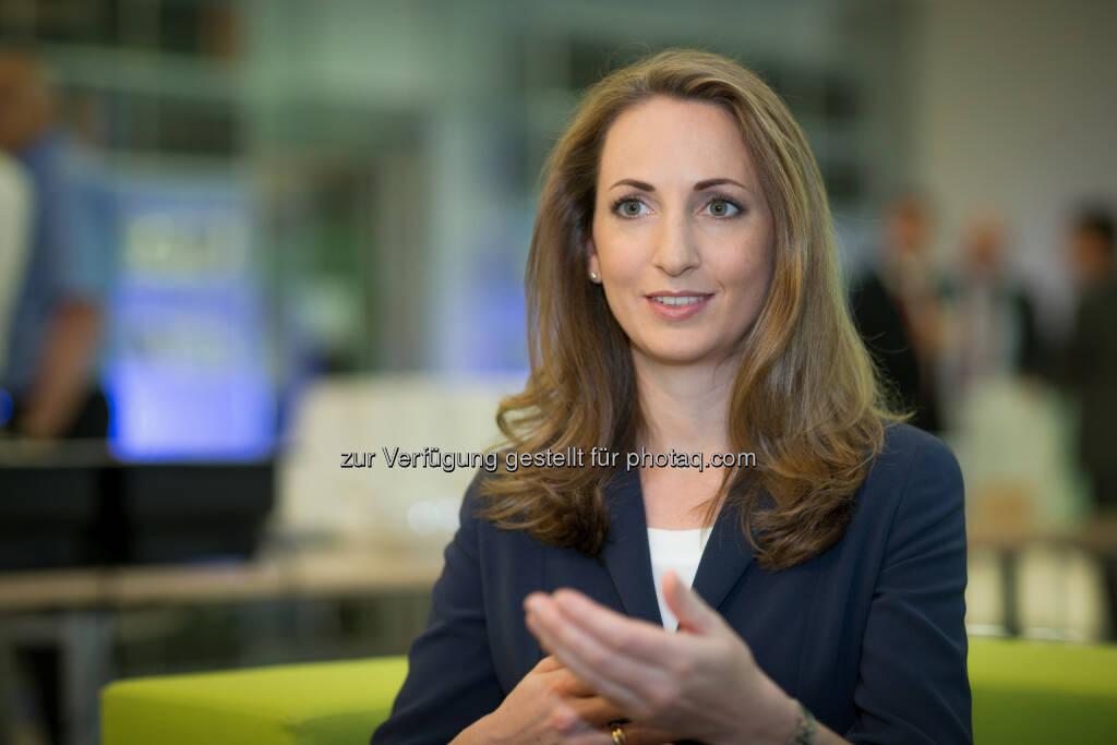 Barbara Edelmann (Director Deloitte) ist seit 2006 als Steuerberaterin bei Deloitte tätig. Sie ist auf die Beratung internationaler Konzernunternehmen sowie die steuerliche Begleitung von M&A-Transaktionen auf Käufer- und Verkäuferseite spezialisiert. Im Bereich M&A Tax zeichnet sie für die Durchführung von Due Diligence-Projekten, für Verkaufs- und Finanzierungsberatung und für die Vertragsgestaltung sowohl für strategische Investoren als auch für Private Equity-Häuser verantwortlich. Daneben hat sie innerhalb der Industry Line Technology, Media and Telecommunications den Deloitte Beratungsschwerpunkt für Hightech Startups, YESTech, aufgebaut. (Bild: Daniel Hinterramskogler) (01.07.2014)